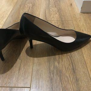 Cole Haan Womens Vesta pump heels, black 8